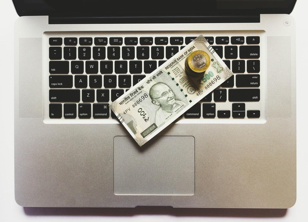 テレワーク導入の際に企業が負担する費用とは?